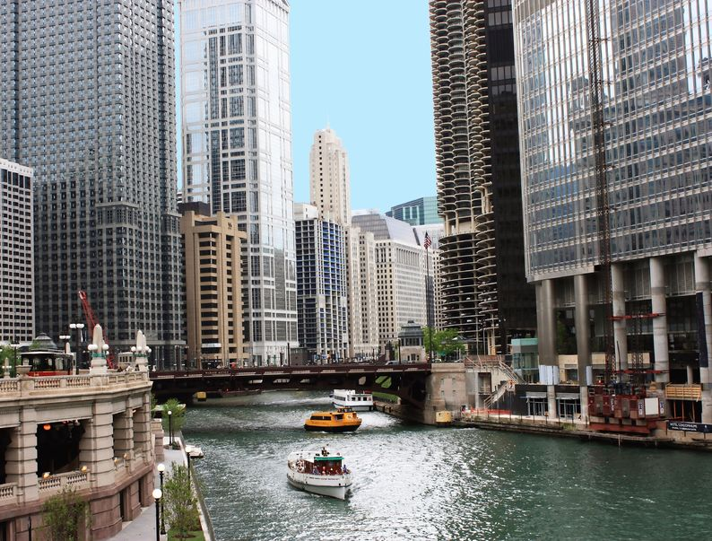 How to Get Around Chicago: Take A Water Taxi