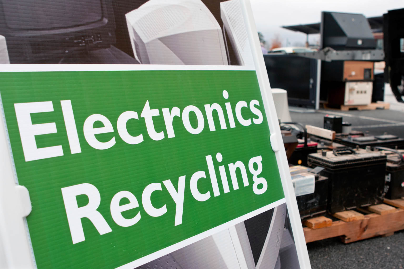 get rid of old tv get rid of old computer get rid of old laptop trash my laptop trash my computer where to recycle electronics