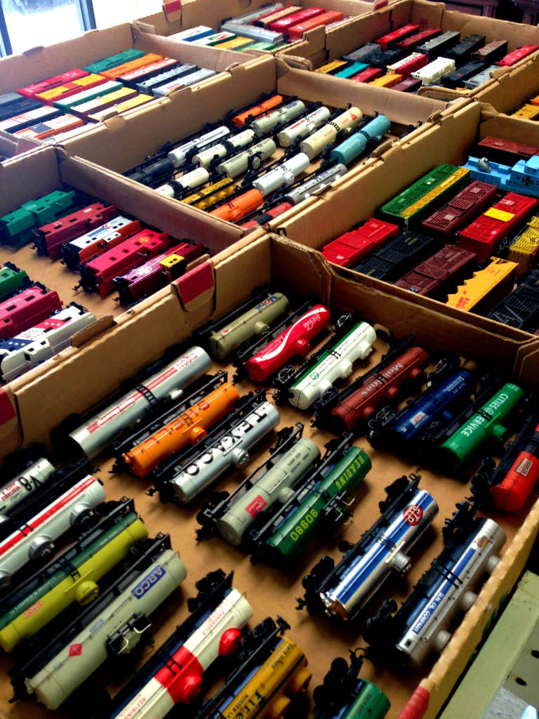 model trains, hobbies, cars, airplanes, repairs, comic books, collectables, supplies, lionel