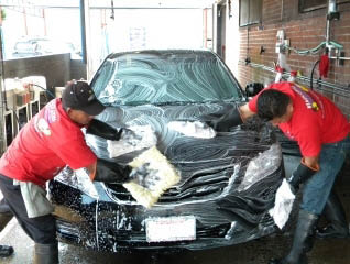 Full service car wash and vacuum coupons in venice hand scrubbed car near westchester ca solutioingenieria Choice Image