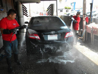 Trained crew doing exterior car cleaning in Playa Del Ray
