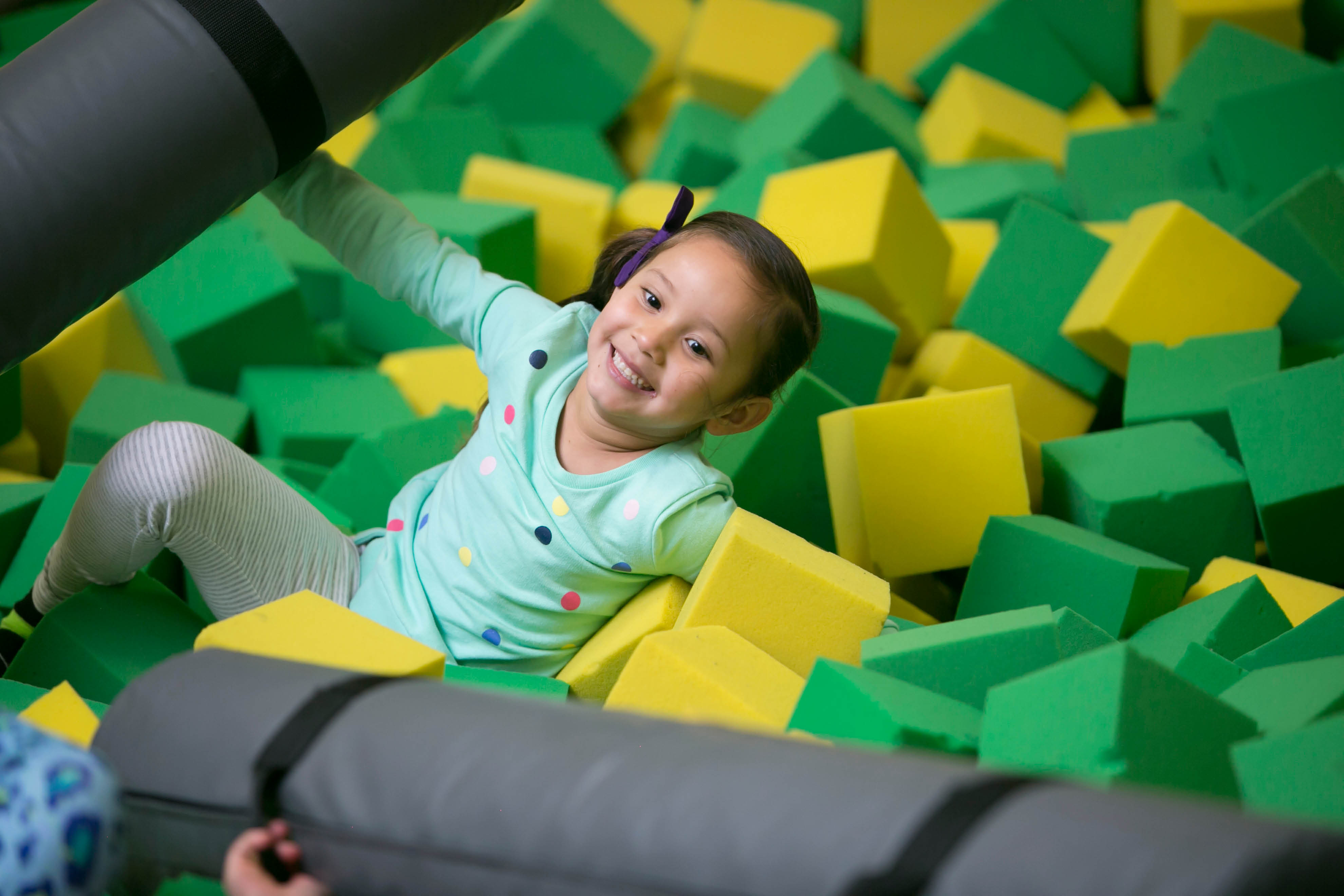 Bounce house for birthday parties in WAYNE, NJ NEXT TO WILLOWBROOK MALL