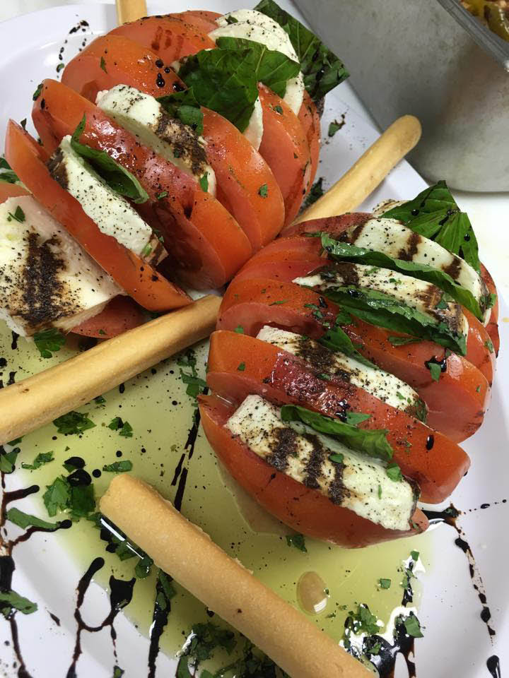 Pronto Pizza tomato salad