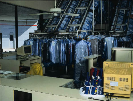 We offer drop off and pickup at our dry cleaners in Beverly Hills, CA.