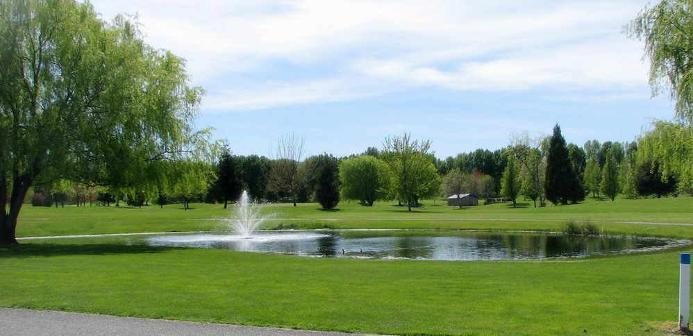 Walk-able 9 hole course. 4 large ponds, 39 traps, 800 trees and a creek.