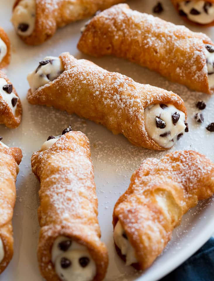 cannoli with chocolate chips