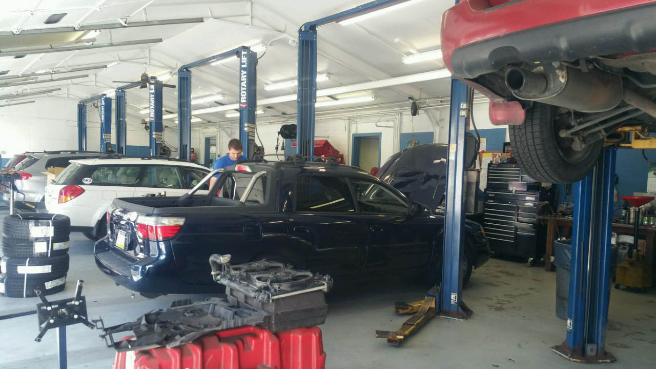 Lawrence Subaru, Service, Schedule, Maintenance, Car Repair, Oil Change, Technicians, Mechanics