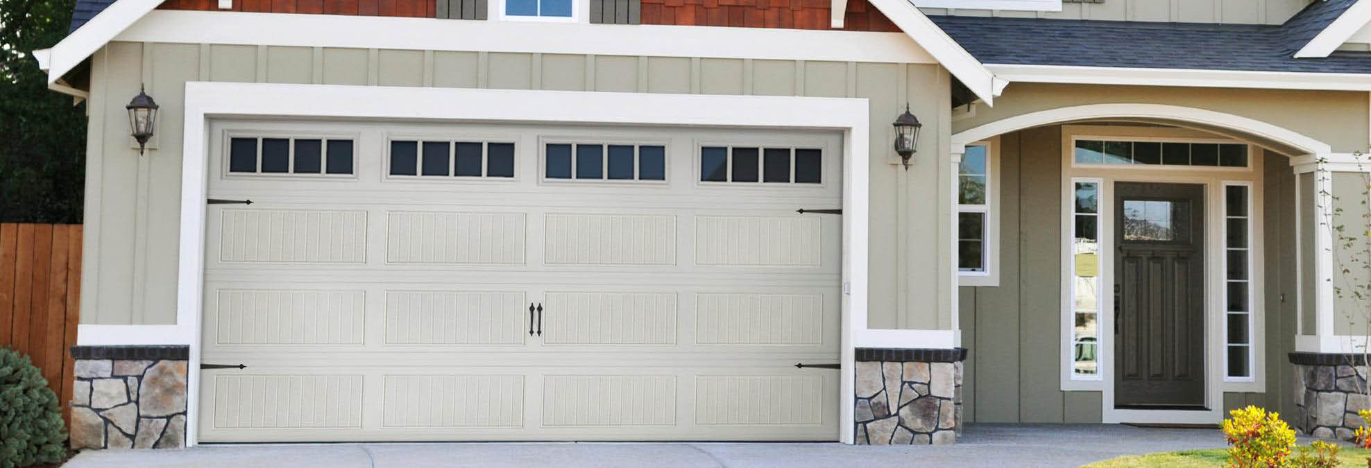 24/7 Emergency Garage Door Repair Services in Phoenix, AZ