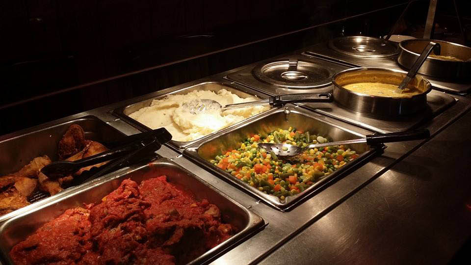 Armeli's Restaurant & Pizzeria offers catering near Brookfield, WI