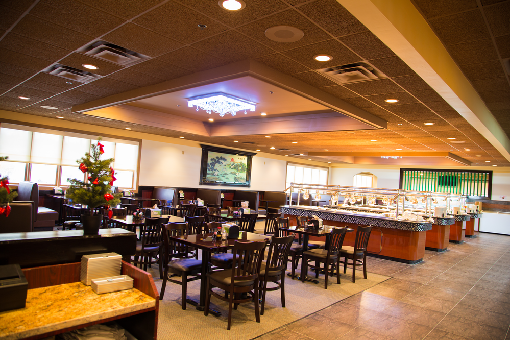Asian Buffet in Kansas City Missouri's large buffet and dining area