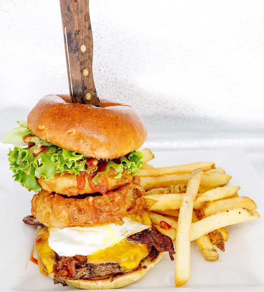 Aurora Borealis in Shoreline, Washington serves breakfast, lunch and dinner - hamburger & fries - Shoreline restaurants near me - dining in Shoreline - Seattle restaurants near me - dining coupons near me