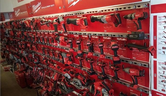 Milwaukee & DeWalt power tools & battery operated drills