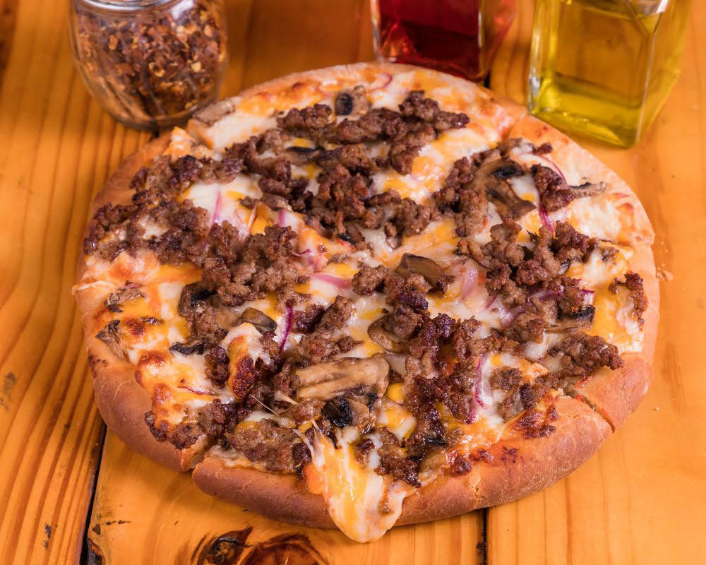 Babe's Old Fashioned Food Old Fashioned Hamburger Pizza