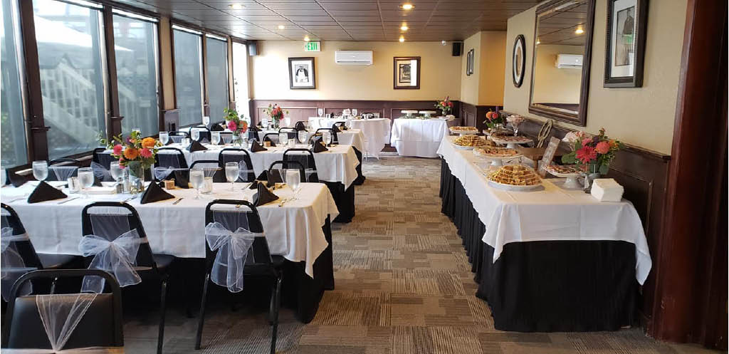 Verrazano's Italian Restaurant in Federal Way, WA offers a large banquet room that seats up to 60 people - banquet room facilities great for wedding receptions, business meetings, rehearsal dinners and any special occasion