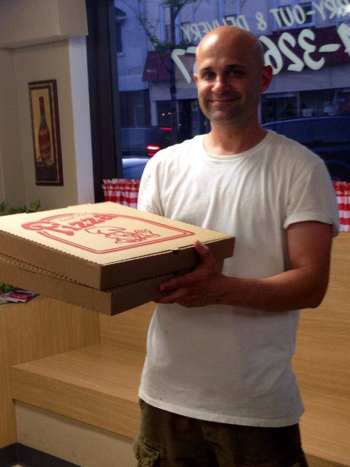 Bari Pizzeria delivery man in west allis WI