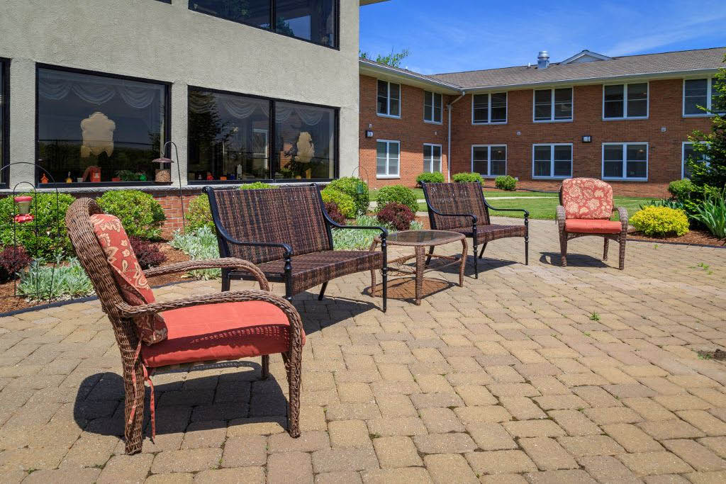 Seniors LIfestyle Options at Bentley Assisted Living at Branchville NJ