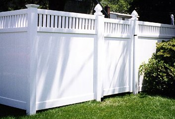 Vinyl fencing in Pearl City