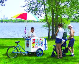 Big Bell Ice Cream cart near St Paul