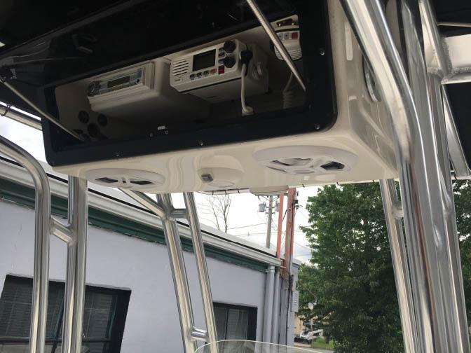 Boat speaker, audio installation