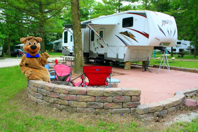 Picture of Jellystone Park Camp-Resort RV campsite, near Waukesha, WI