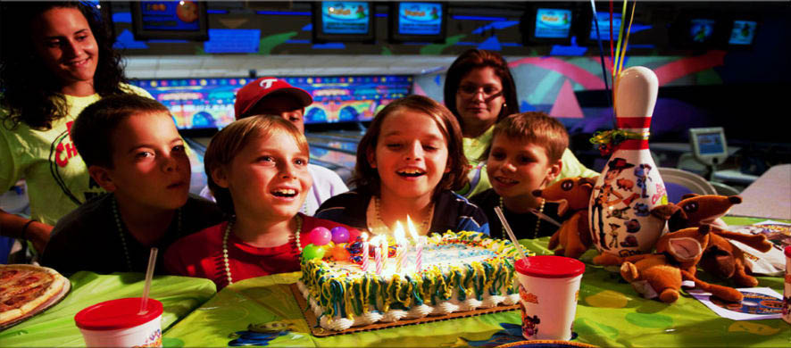 Bowing Balls Bowling Alley Tampa Kids birthday and summer camp festivities with food, fun and bowling at Pin Chasers in Tampa