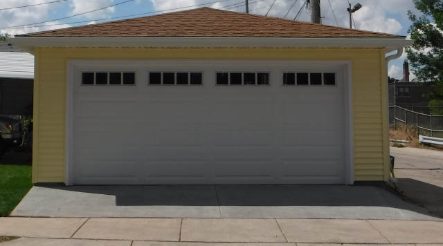 Bulldog Builders, LLC builds new garages in Waterford