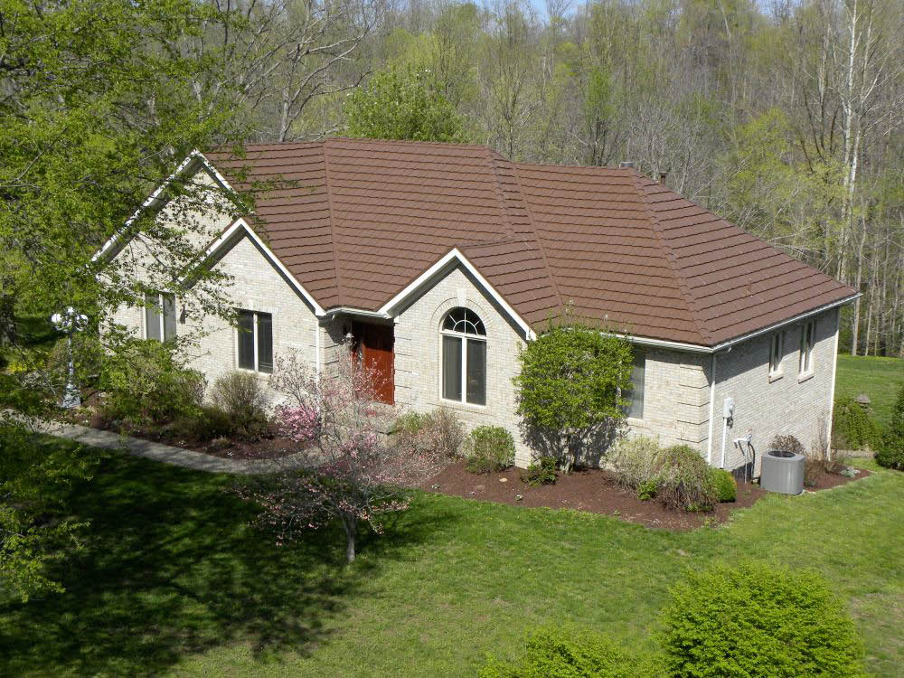 picture of Classic Metal Roofing Country Manor Shake Roof