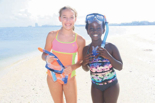 CLEARWATER MARINE SUMMER CAMP GIRLS LEARNING PHOTO