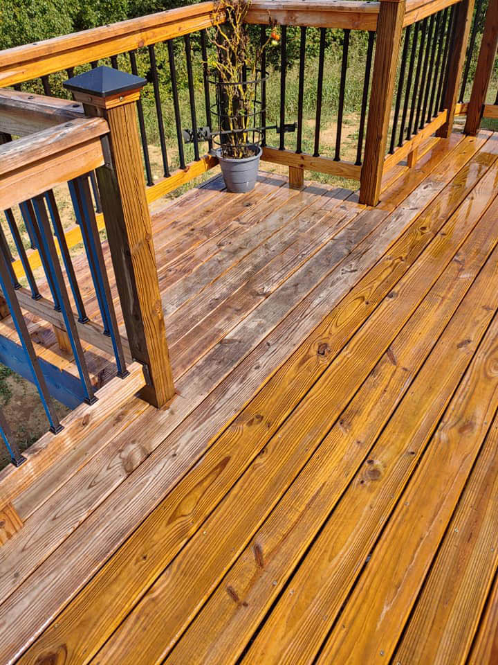 Roof wash,House wash, Gutter cleaning, Concrete cleaning and sealing. Deck washing and wood restoration. Professional, friendly
