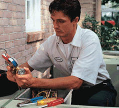 HVAC repair technician in Louisville, KY working for Cair Heating and Cooling