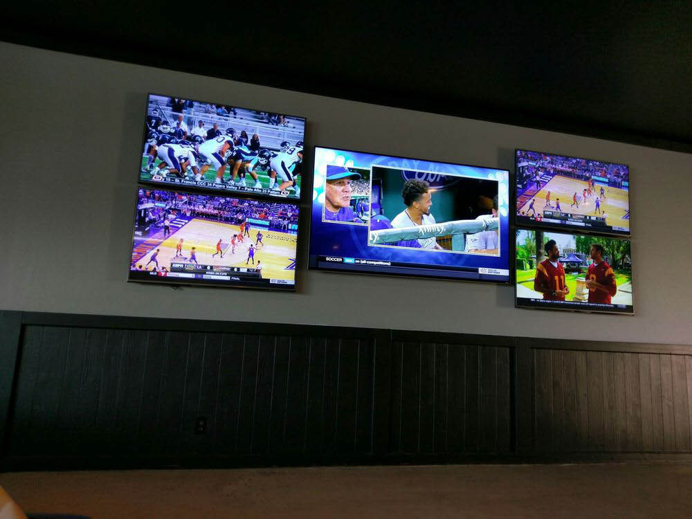 Watch All The Games at Campbell Pizza 3395 Winchester Blvd