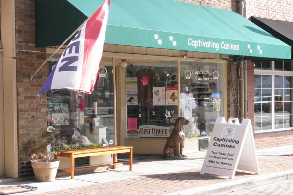 Captivating Canines building exterior
