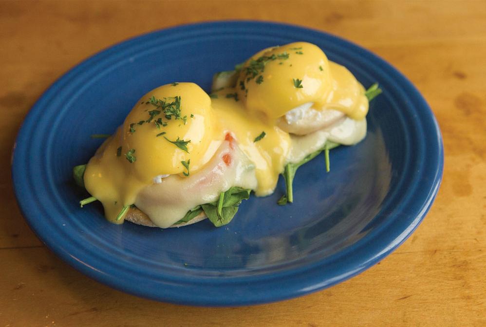 cherie inn cafe eggs benedict