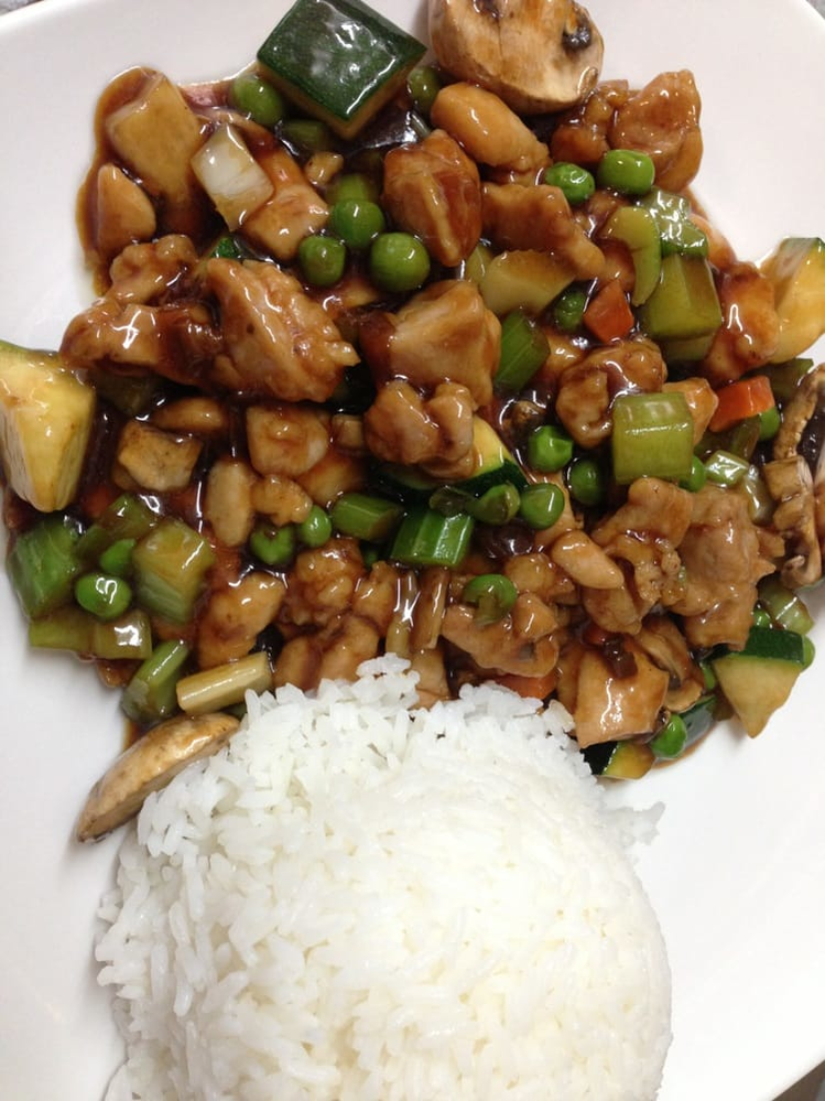 China Legend in Santa Rosa, CA serves authentic Chinese food including an Almond Chicken dish