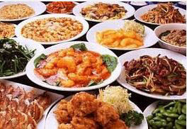 Chinese dishes: Beef Lo Mein, General Tso's Beef, Sweet and Sour Chicken, Kung Pao Shrimp