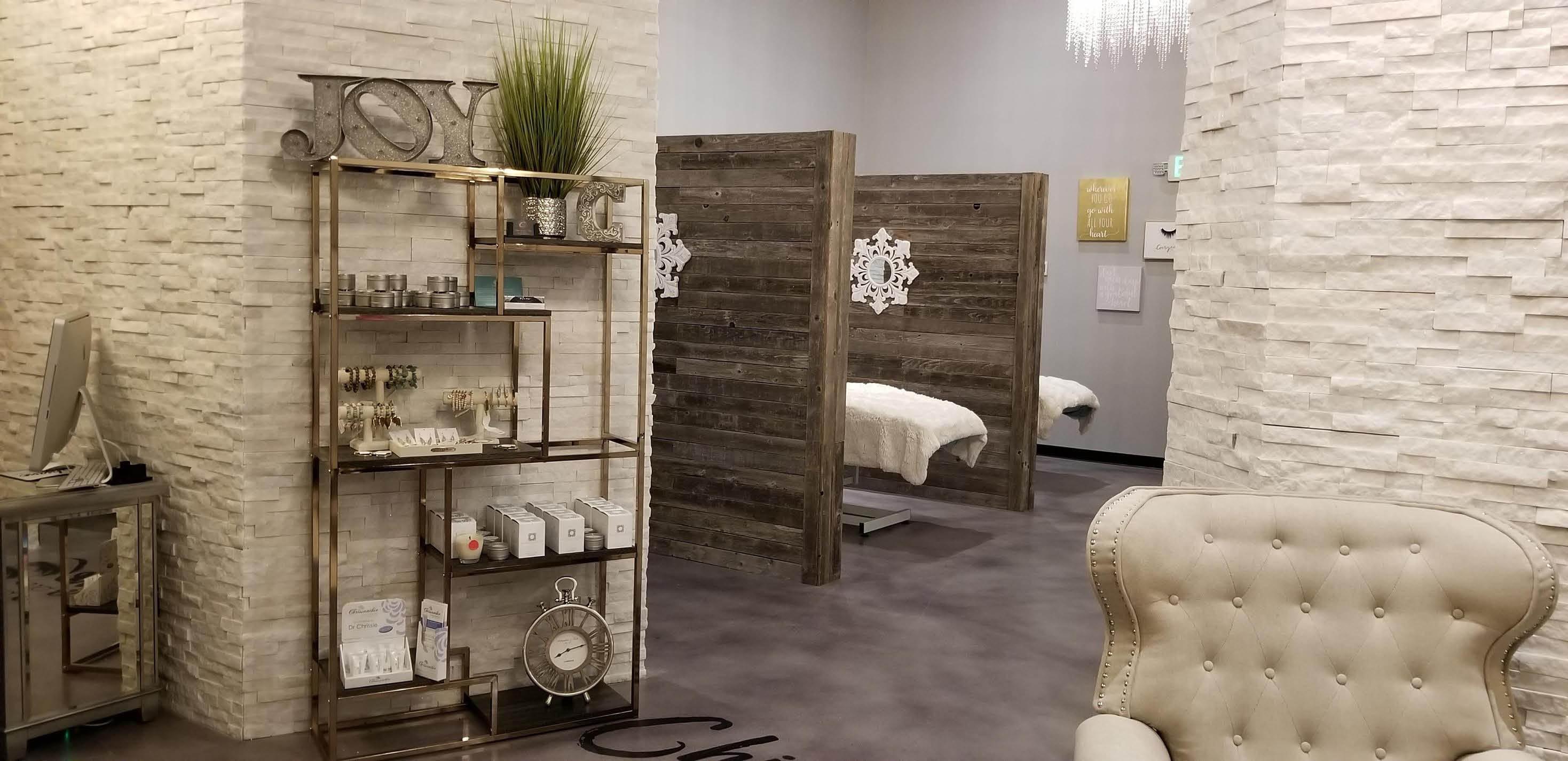 Inside Chique Lash & Brow salon in Lake Stevens, WA - eyelash extensions - eyebrow tinting - body sugaring - face sugaring - hair removal - waxing
