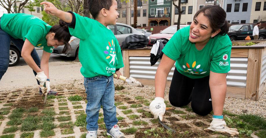 Since its founding in 2001, Comcast Cares Day has evolved from a modest service effort with 6,100 volunteers, to a global program of giving back with 105,000-plus volunteers leaving their mark on the communities in which we live and work.