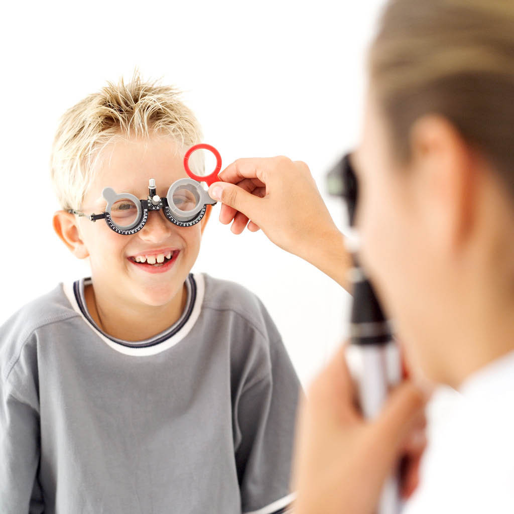 Child getting is vision checked - vision checkup for children - Coordinated Care health insurance - Seattle, WA - vision screenings