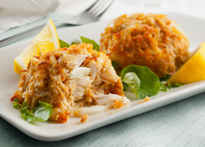 Deliciously Fresh and Flaky Crab Cakes
