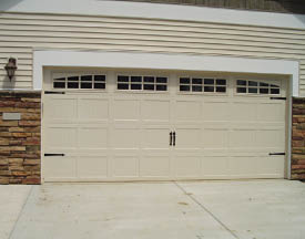 photo of garage door with windows from Crawford Garage Door Co. in Lansing, MI