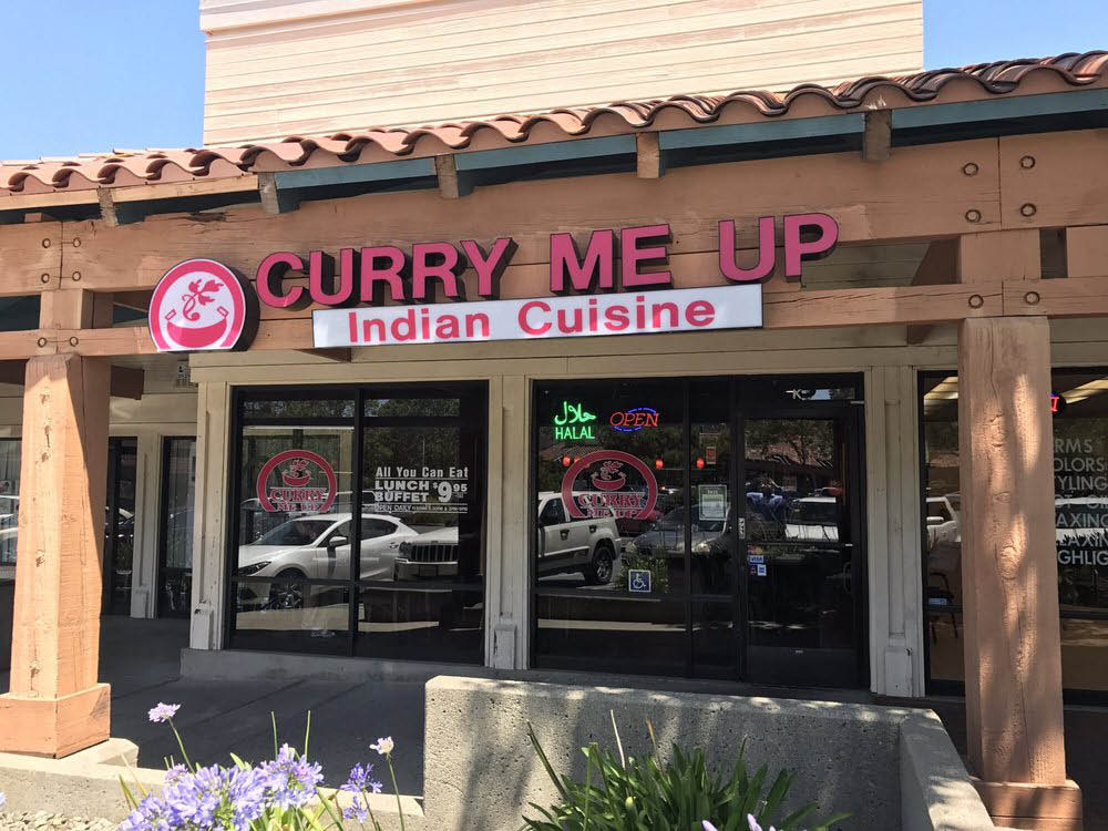 Find Curry Me Up in the Creekside Center Shopping Mall, Hercules, CA
