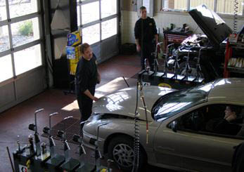 photo of interior of D & H Quick Lube in Rochester Hills, MI