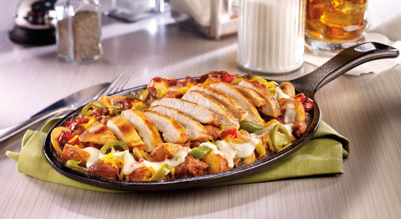 Sizzling chicken fajita lunch and dinner with iced tea in El Monte