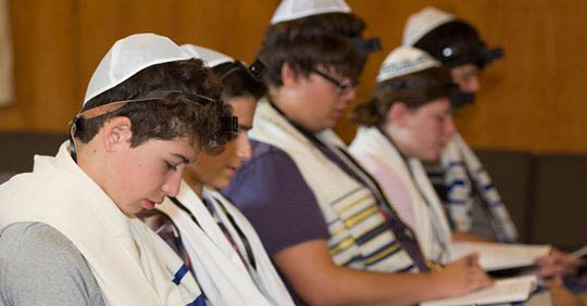 Messianic Jewish temple; prayer; synagogues in Skokie