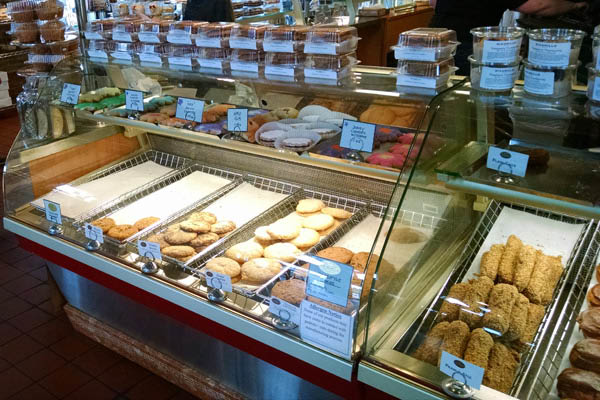 Wondering where you can find Authentic Italian Cookies? Look no further than DiCamillo bakery