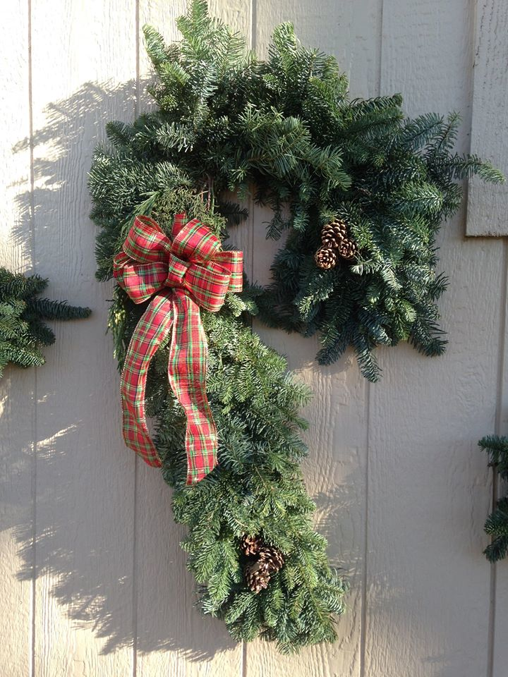 Donna's Trees in Bothell, WA offers a large selection of Christmas wreaths and garland to make your decoration projects a snap
