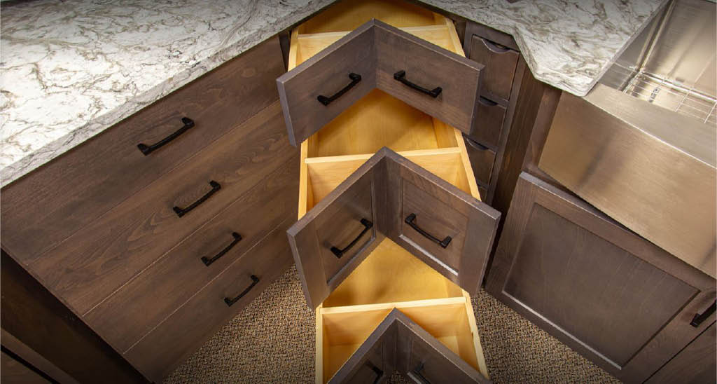 Dovetail drawers sold at Huntwood Cabinet Outlet in Lakewood, WA - drawers and cabinetry - kitchen cabinets - buy cabinetry near me