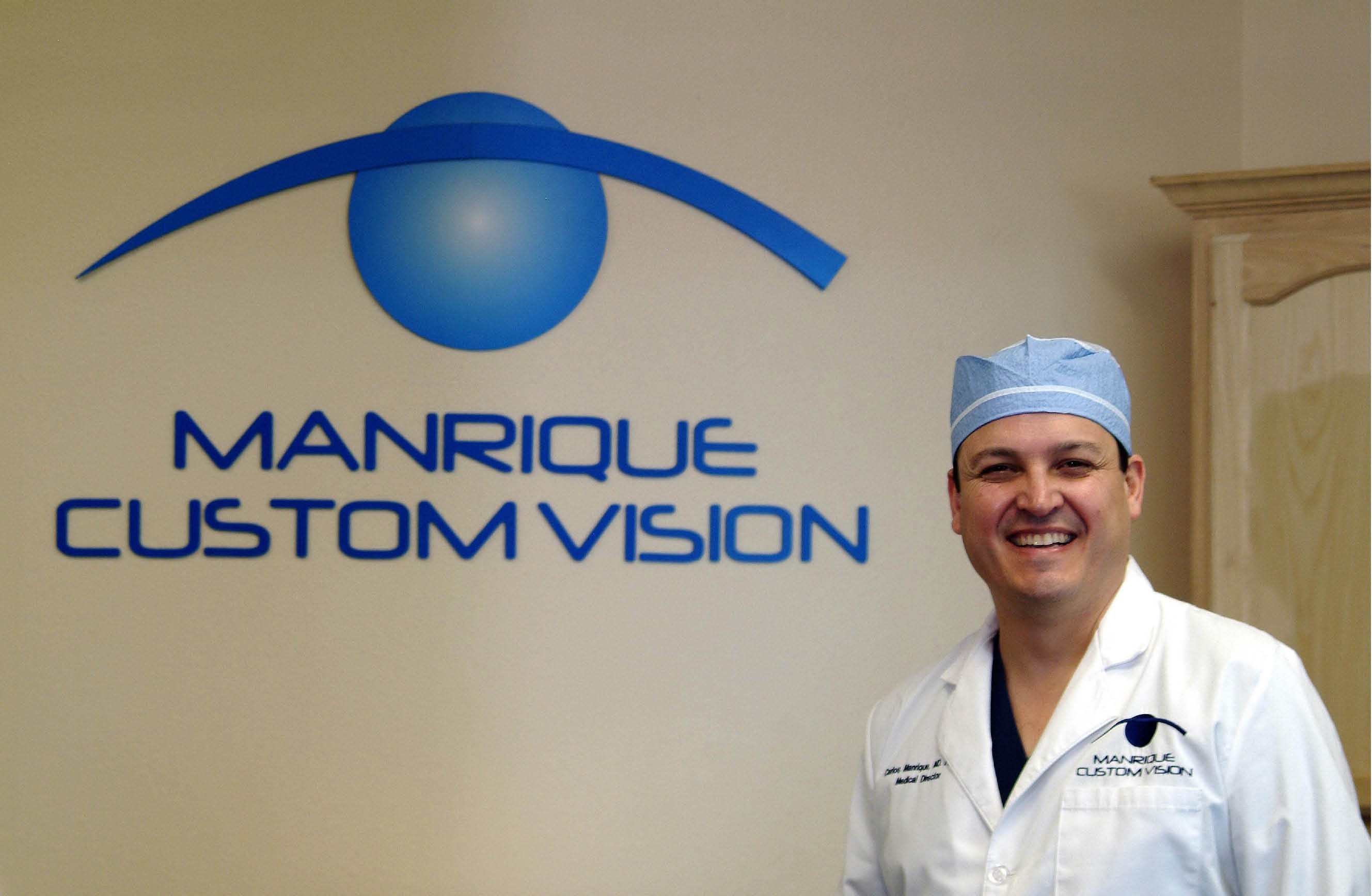 Dr. Carlos Manrique Photo