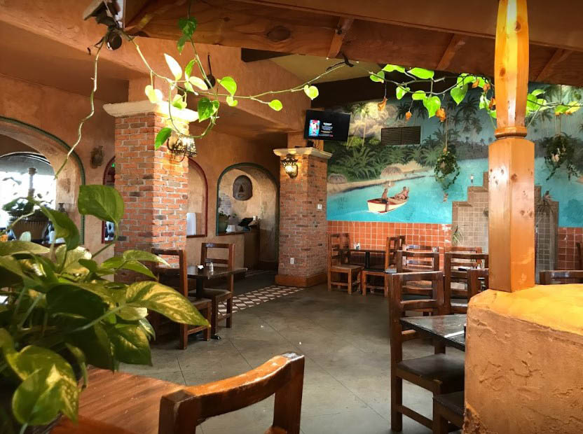 Interior of El Acapulco Mexican Restaurant in Poplar Bluff, MO