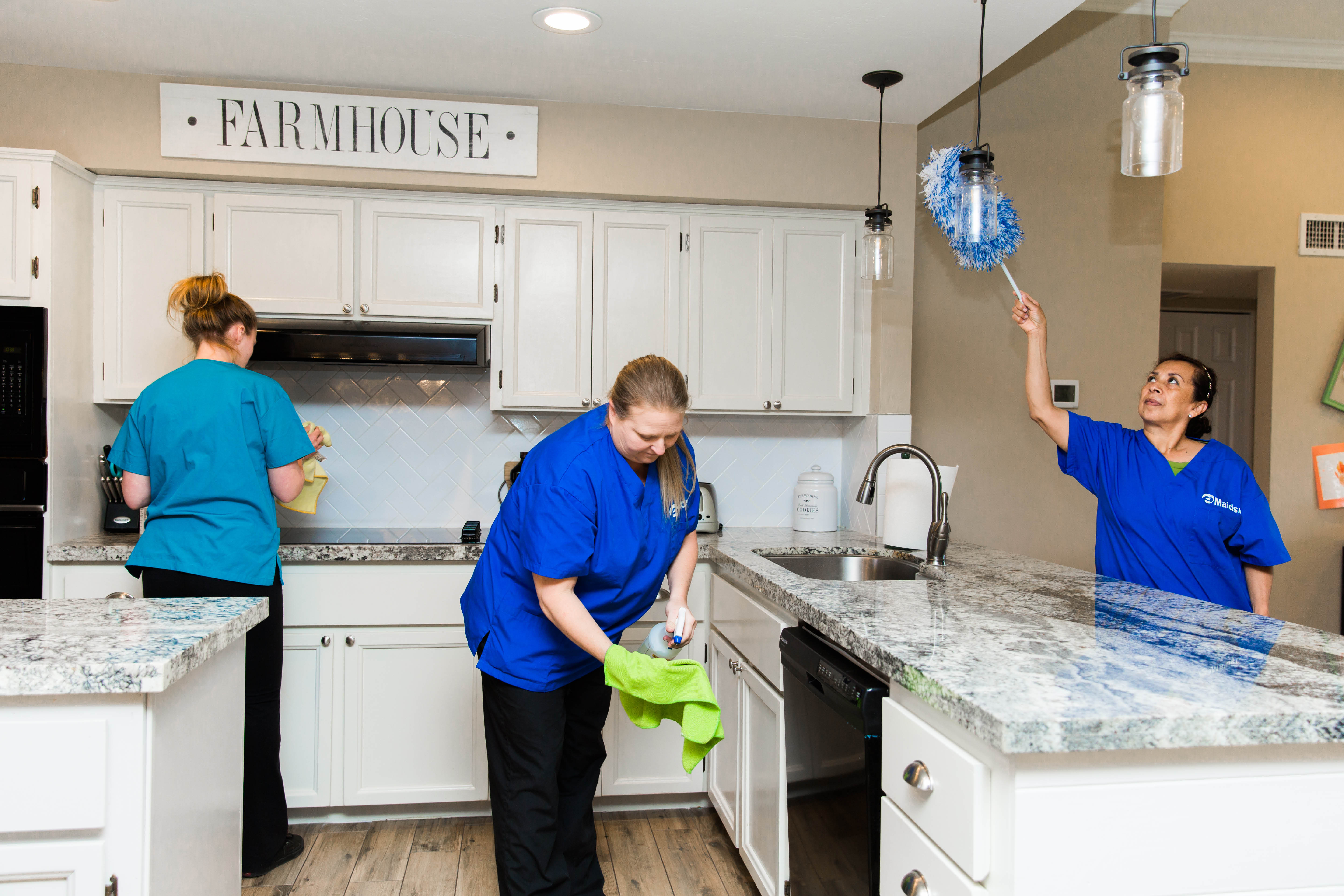 professional house cleaning service, full service cleaning company, local house cleaning
